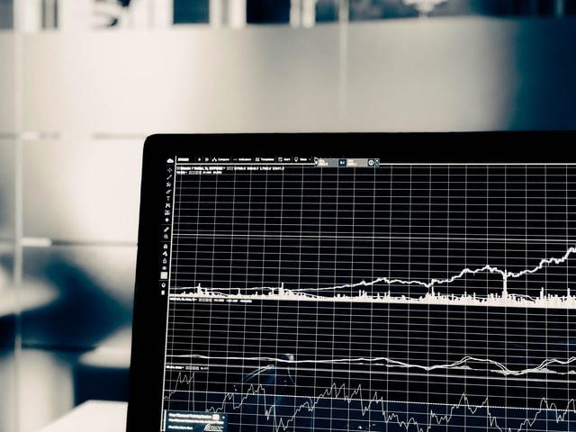 view-stock-market-computer