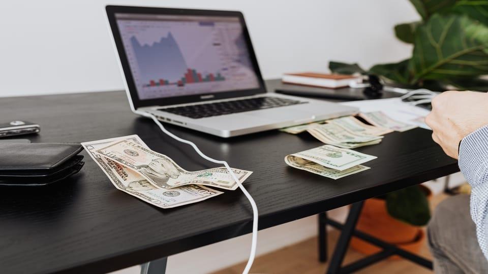money-computer-stocks